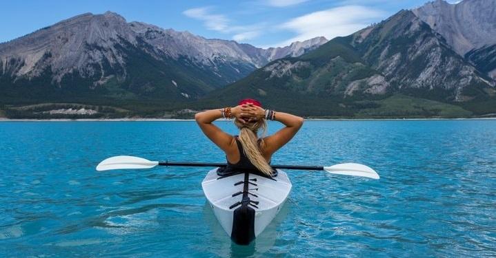 Argumentative essay topic on travel?